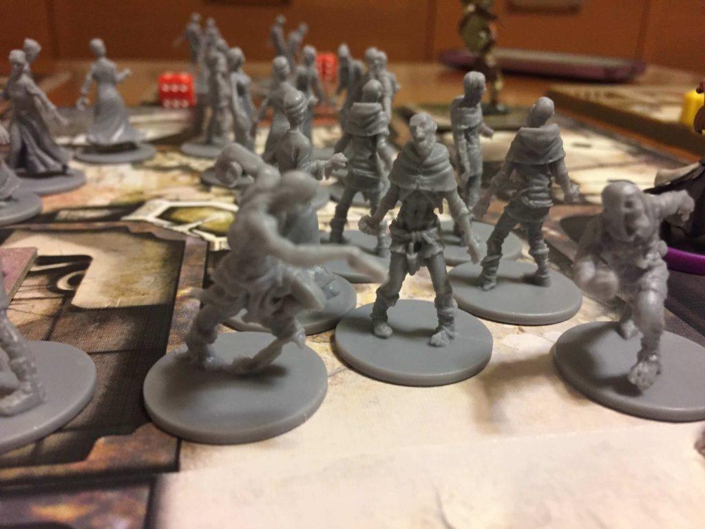 Ripresa ravvicinata delle miniature degli zombie